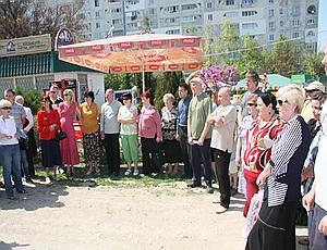 Жители Севастополя требуют закрыть нелегальный рынок в Гагаринском районе