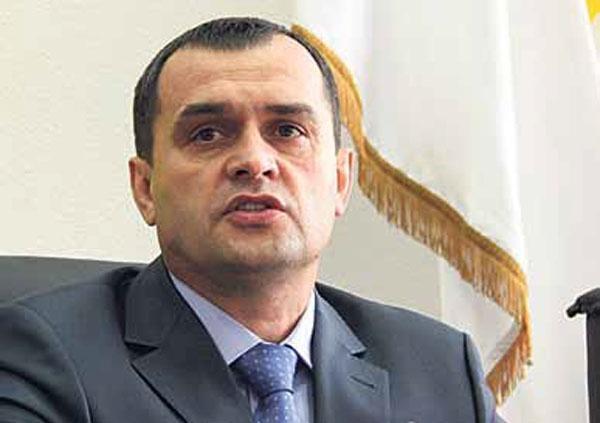 Захарченко считает объединение днр и лнр нецелесообразным деловой квадрат