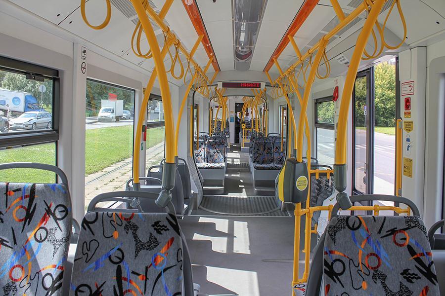 http://nefakt.info/wp-content/uploads/2014/07/tramvaj-pesa-v-moskve_8_1.jpeg