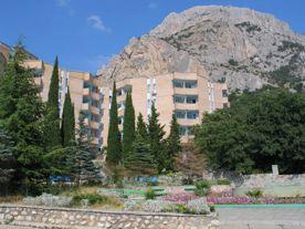 «Пансионатам Севастополя» вернули общежитие, ставшее 5-квартирным домом при Жежеруне