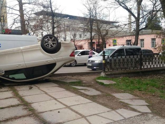 Серьезное ДТП у СИЗО в Симферополе: в ГИББД шокировали причиной аварии