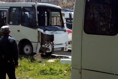 ДТП с двумя маршрутками в Симферополе: число пострадавших выросло до 17