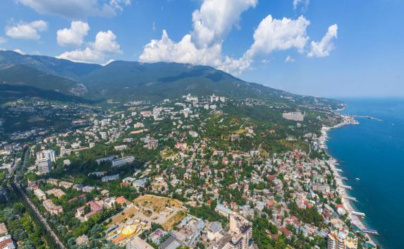 Инвесторы из Греции строят в Крыму отели, а турки думают о заводах