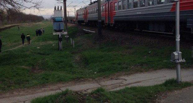 В Крыму электропоезд сбил насмерть человека. Суицид?