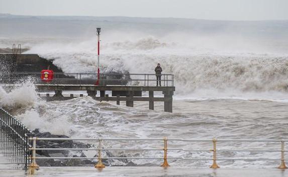 В Крыму ожидается трёхдневный шторм с ливнями и градом