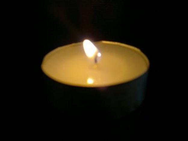 Ищут родственников: в центре Симферополя посреди улицы умерла женщина