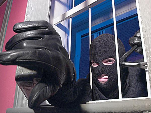 Очень нужно было: студенты Симферополя обокрали дом на полмиллиона рублей