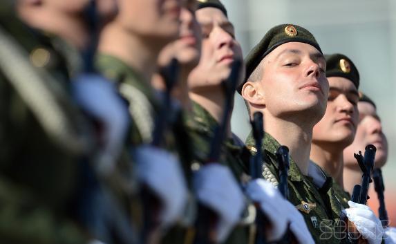 Крымские призывники впервые отправились служить за пределы полуострова