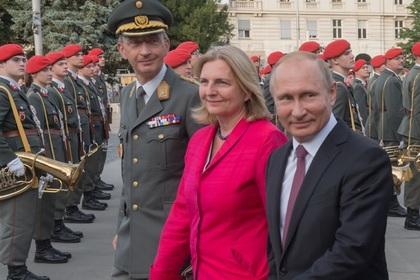 На Украине грустной улыбкой отреагировали на визит Путина в Австрию