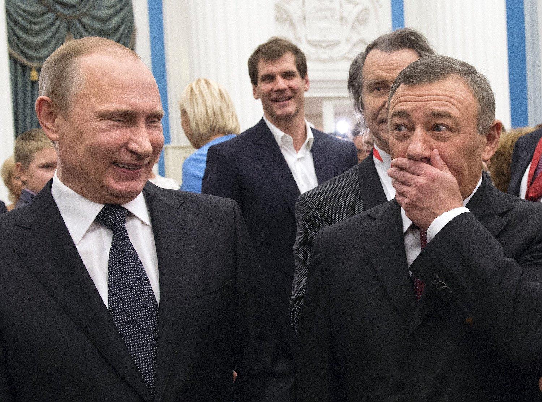 Полуостров для друга Путина